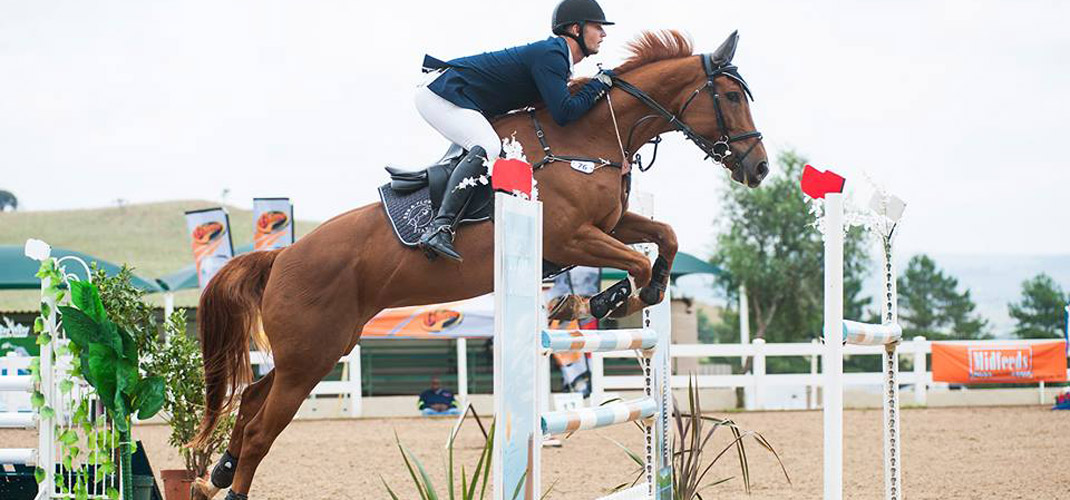A J Radermacher riding Ebb & Flow  Alzu Ovation